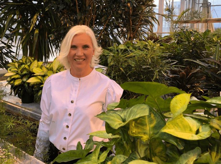 Blomsterdekoratør Aina Østby